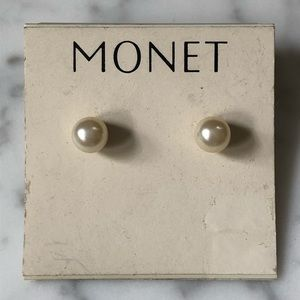 🔥 Vintage Monet Pearl Earrings